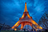 Closeup of illuminated Eiffel Tower at night, Paris — Stock Photo