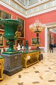 俄罗斯。圣彼得堡冬宫博物馆。17-18 世纪的意大利艺术的大厅. — 图库照片