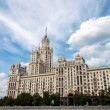 Stalin skyscraper on the waterfront in Moscow, Russia — Stock Photo