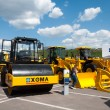 """Asphalt roller XGMA on exhibition """"Construction Equipment and Technologies 2013"""" in the exhibition center """"Crocus Expo"""" in Moscow, Russia — Stock Photo"""
