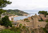 Costa Brava, beach and medieval castle in Tossa de Mar, Cataloni — Stock Photo