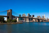 Brooklyn bridge und manhattan — Stockfoto