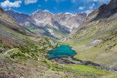 Lac de montagne turquoise — Photo