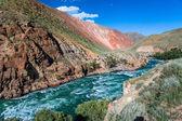 Río rápido kekemeren, tien shan, kirguistán — Foto de Stock