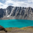Mountaineering camp at Ala-Kul lake in Kyrgyzstan — Stock Photo