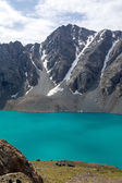 Alpinist camp at Ala-Kul lake in Kyrgyzstan — Stock Photo