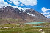 Lake near Barskoon pass in Tien Shan mountains — Stock Photo