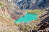 Majestic mountain lake in Tien Shan, Kirgizstan — Stock Photo