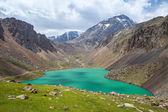 Beautiful lake in Tien Shan mountains, Kirgizstan — Stock Photo