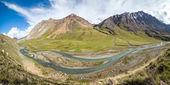 Panorama di torsione fiume jil-suu in kirgizia — Foto Stock
