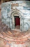 Church of the Nativity in Bethlehem, the descent into the cave, — Stock Photo