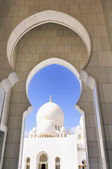 Sheikh Zayed Mosque in Abu Dhabi, — Стоковое фото
