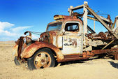 Vintage truck abandoned — Stock Photo