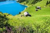湖、シャレー、山 — ストック写真