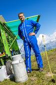 Agriculteur et son équipement de travail — Stock Photo