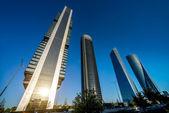 Cuatro modernos rascacielos — Foto de Stock