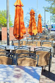 Outdoor sommer café tabellen — Stockfoto