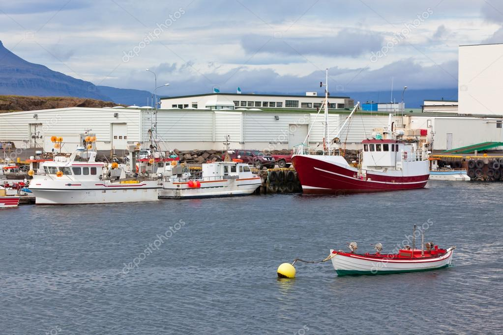 Typical Iceland Harbor with Fishing Boats in Summer Day — Stock Photo #19003769