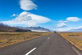 Highway through South Icelandic landscape — Stock Photo