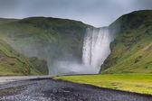Catarata skógafoss, islandia — Foto de Stock