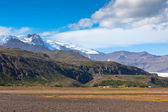 South Icelandic mountain landscape with glacier — Foto Stock