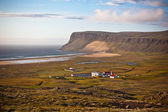 Icelandic Landscape with small Location at Ocean Coastline — Stock Photo