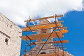 Kilise restorasyon iskele — Stok fotoğraf