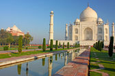Taj mahal , A famous historical monument of India — Stock Photo