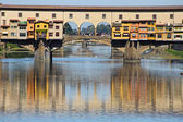 Ancient bridge Ponte Vecchio in Florence. Italy — Stock Photo