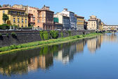 Medieval buildings on quay of Arno, in Florence, Italy — Stock Photo