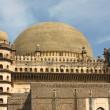 golgumbaz, un mausoleo moghul a bijapur, karnataka, india — Foto Stock