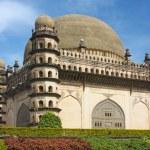 Golgumbaz, ein Mughal-Mausoleum in Bijapur, Karnataka, Indien — Stockfoto