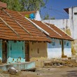 Typical indian clay buildings in village near Tiruvanamalai, Tamil Nadu, India — Stock Photo
