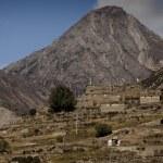 Himalayan mountains over Manang village — Stock Photo #36792779