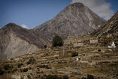 Himalayan mountains over Manang village — Stock Photo