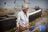 Fishermens Angeln in ihre Boote aus Holz — Stockfoto