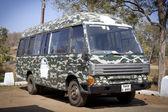 Tracking bus in Mudumalai — Stock Photo