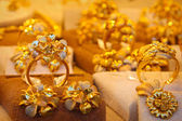 Golden rings store — Stock Photo