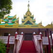 Buddhist pagoda — Stockfoto #37918933
