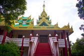 Buddhist pagoda — Stock Photo