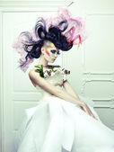 Avangart saçlı kadın — Stok fotoğraf