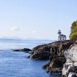 Blue waters of coast of San Juan island, Washington state — Stock Photo #14139138