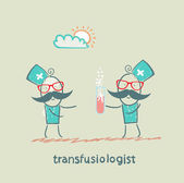 Transfusiologist suggests that blood transfusion should — Stock Photo