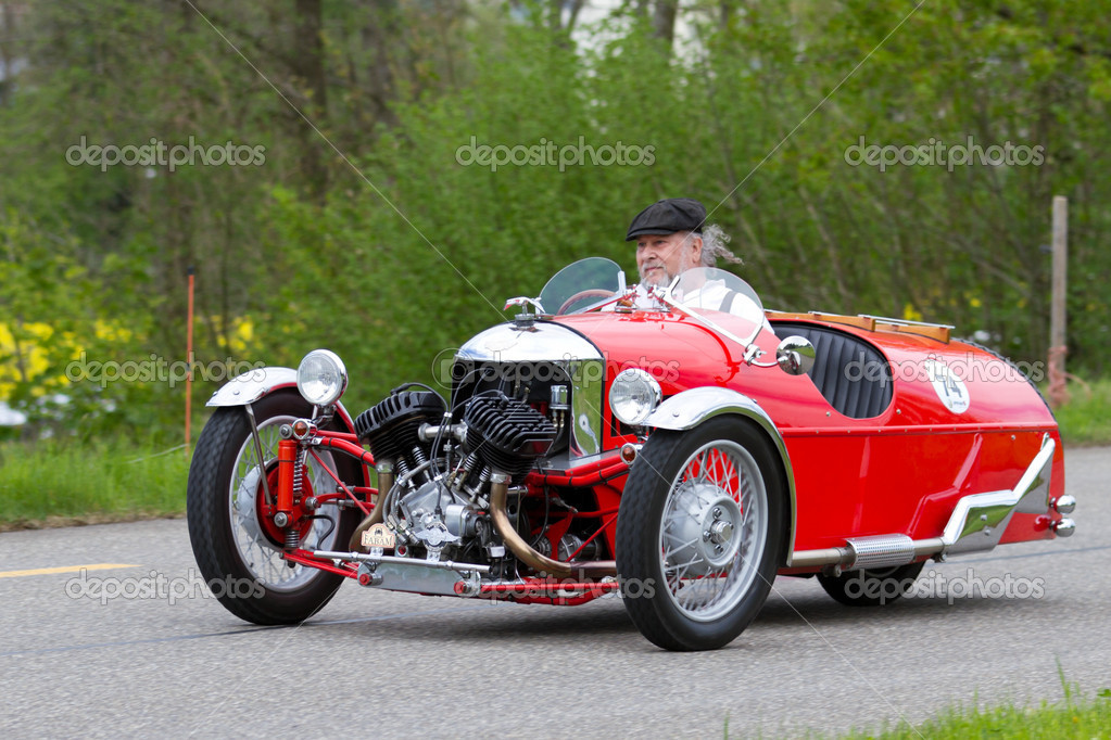 voiture de course de tricycle vintage morgan super sport de 1933 photo ditoriale mlehmann. Black Bedroom Furniture Sets. Home Design Ideas