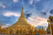 Shwedagon temple in Yangon, Burma — Stock Photo