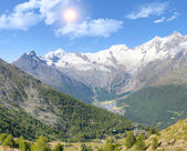 Saas fee surroundinmg berg — Stockfoto