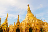 Golden Shwedagon temple — Stock Photo