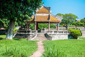 Pagoda inside the purple forbidden city in Hue, Vietnam — Stock Photo
