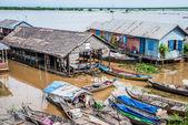 Tonle Sap, Cambodia - floating village — Stock Photo