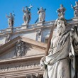 Statue of Apostle in front of Basilicof St. Peter — Stock Photo #19653141